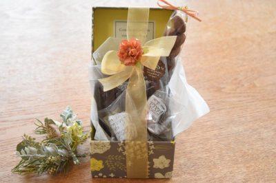 フラワーBOX・パウンドケーキ、チョコレート7個入